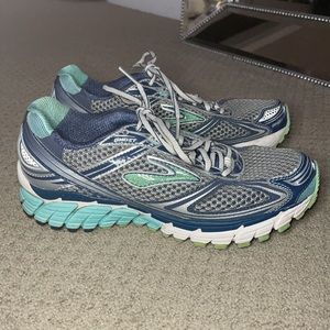 Brooks Ghost Running shoes Size 8.5